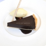 Chocolate tart with clotted ice cream ©www.ice-cream-magazine.com