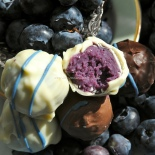 Blueberry ice cream chocolates ©www.ice-cream-magazine.com