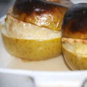 baked apple in ginger and syrup