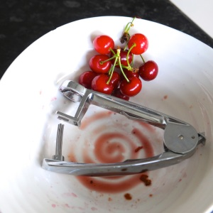 cherries stoned © www.ice-cream-magazine.com-