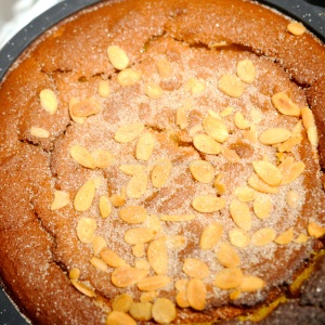 Spiced whole orange and almond cake © www.ice-cream-magazine.com