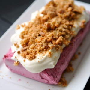 blackberry cheesecake ice cream © www.ice-cream-magazine.com